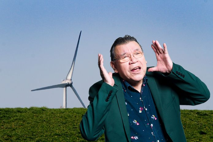 Roy Grünewald over windmolens.