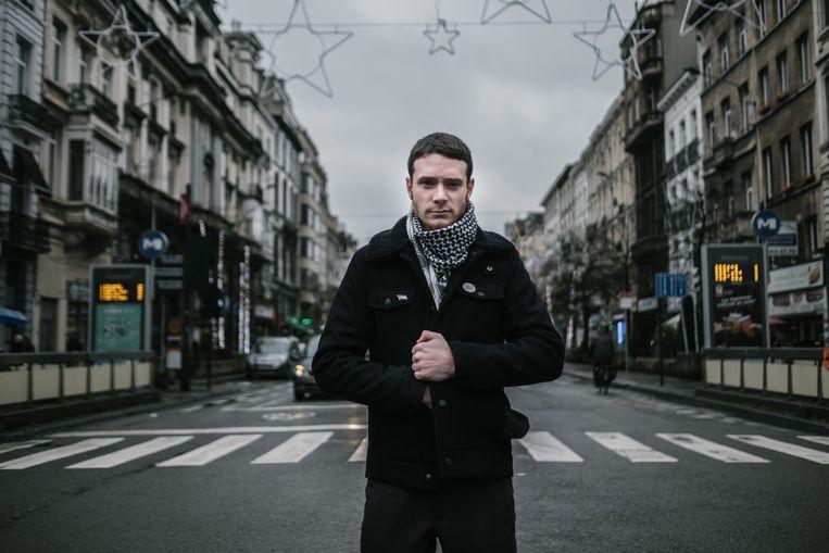Jihad Ouchen, jeugdanimator bij Jeunes Organisés Combatifs: 'De politieagent in Brussel denkt louter aan repressie.'  Beeld Wouter Van Vooren