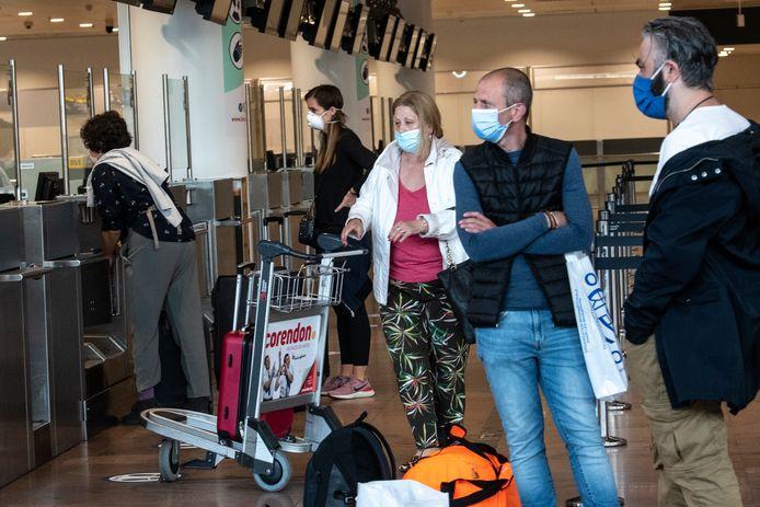 Reizigers op Brussels Airport, ter illustratie.