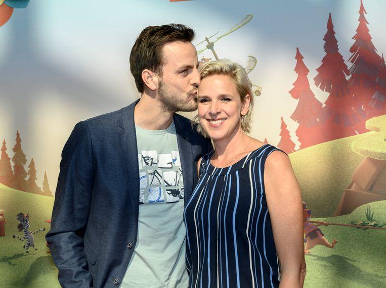 Ook acteurskoppel Tine Embrechts en Guga Baúl zijn samen te horen in De Fabeltjeskrant. Respectievelijk als Juffrouw Ooievaar en Meneer de Raaf.