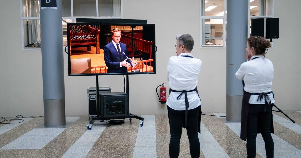 Image LIVE | 'Kabinet negeerde adviezen over heropening nachtleven', tv-zender aangevallen tijdens Covid-protest in Cyprus