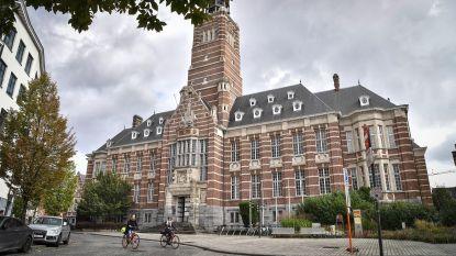"""Excuus van de dag in rechtbank Dendermonde: """"Materiaal voor drugsplantage? Nee hoor, dat was om champignons te kweken"""""""