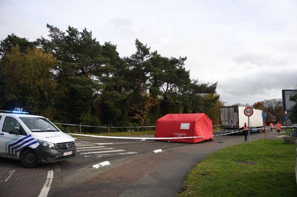 De Steenweg op Holsbeek en oprit van de autostrade werden lange tijd afgesloten voor alle verkeer.