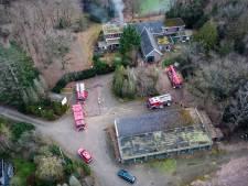 Opnieuw brand op terrein in Harderwijk waar illegaal wonen arbeidsmigranten door de vingers werd gezien