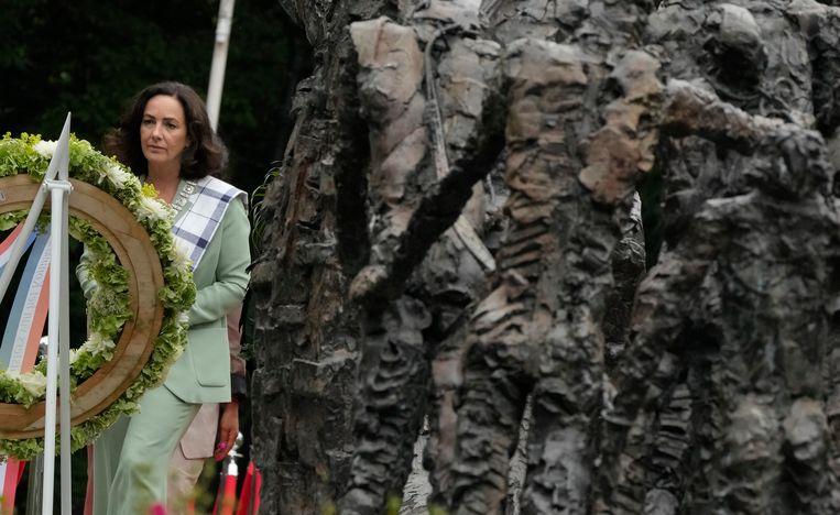 Burgemeester Femke Halsema speecht bij het herdenkingsmonument voor het slavernijverleden in het Amsterdamse Oosterpark op Keti Koti, de Nederlandse herdenking van de afschaffing van de slavernij. Beeld AP