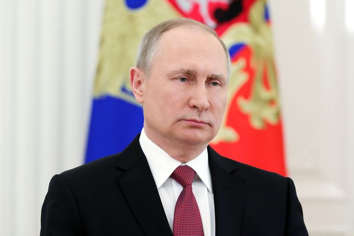 Russische president Vladimir Putin wijst Westerse diplomaten uit als tegenreactie op de Russische exodus van afgelopen week.