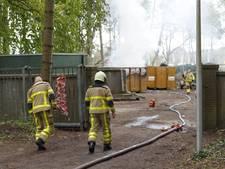 Flinke rookontwikkeling bij containerbrand in Apeldoorn