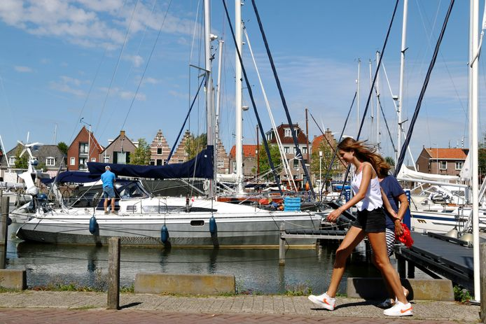 De Pekelharinghaven in Medemblik, een van de jachthavens van het Westfriese stadje aan het IJsselmeer.