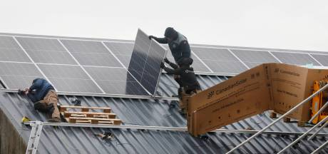 Mookse energiecoöperatie gaat ook in Gennep op zoek naar geschikte daken voor zonnepanelen