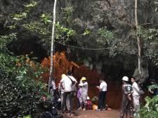 L'angoisse de douze adolescents coincés dans une grotte inondée