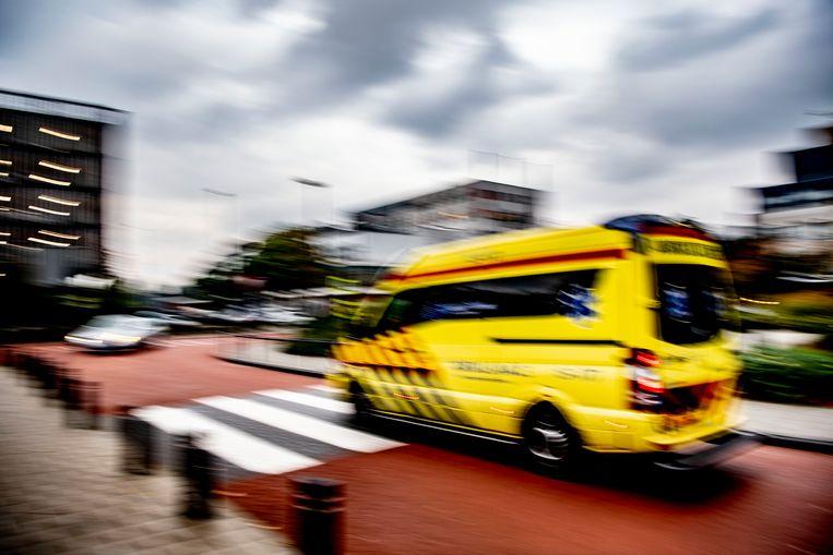 Het jongetje is per ambulance naar het ziekenhuis gebracht. Beeld Hollandse Hoogte/ANP