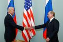 Moscou, 10 mars 2011: Joe Biden, alors vice-président des États-Unis, rencontre Vladimir Poutine, alors Premier ministre de Russie