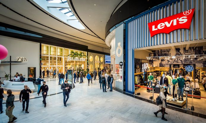 In de onlangs geopende Mall of the Netherlands in Leidschendam huist naast een keur aan beleveniswinkels van onder meer Nike, Lego en Zara ook een Peppa Pig speelpark.