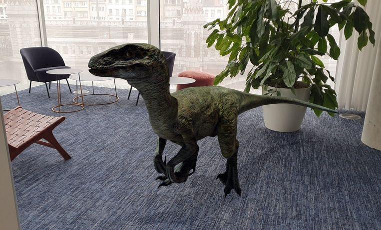 Een Velociraptor op de redactie.