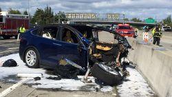 """Tesla: """"Fataal ongeluk schuld van bestuurder"""""""