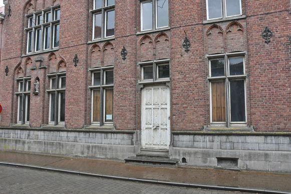 De oude dekenij in de Magdalenastraat dateert uit 1887.