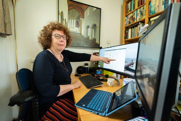 Annemieke van der Vegt doet onderzoek naar familiestambomen.