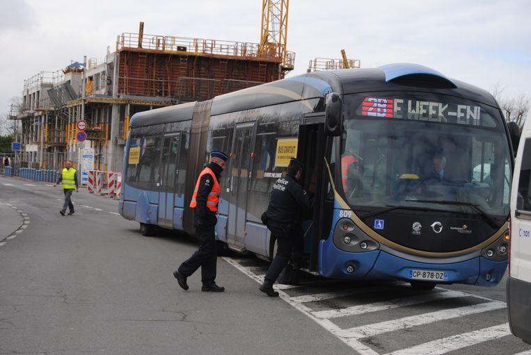 Archiefbeeld van een politiecontrole van een DK-bus.
