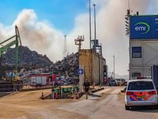 Lastige scheepsbrand na 50 uur dan eindelijk bestreden: 'We hebben die brand verzopen'