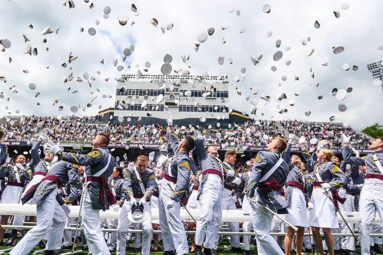 Afgestudeerden aan de prestigieuze West Point Academy. Beeld Photo News