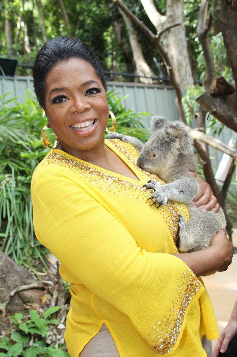 De Amerikaanse tv-host Oprah Winfrey tijdens haar bezoek aan Hamilton Island Wildlife Park op 8 december 2010. Beeld EPA
