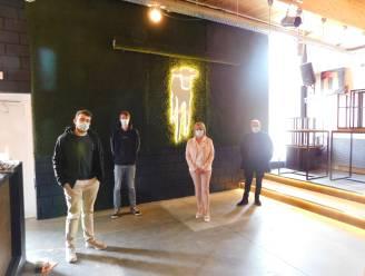 Nieuw podium én verlicht kalf voor Veldegems jeugdhuis