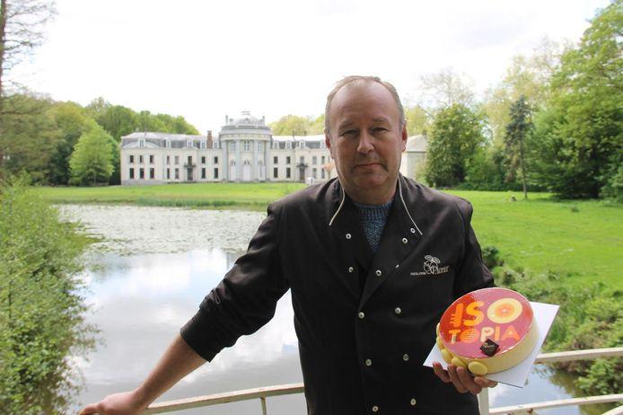 Johan Geldhof van chocolaterie Parfait is jurylid van de bakwedstrijd in het Blauwhuispark.