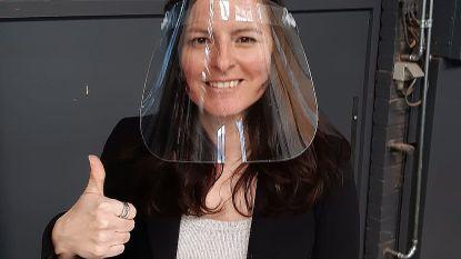 Leerkrachten van het Damiaaninstituut maken gezichtsmaskers met lasercutter