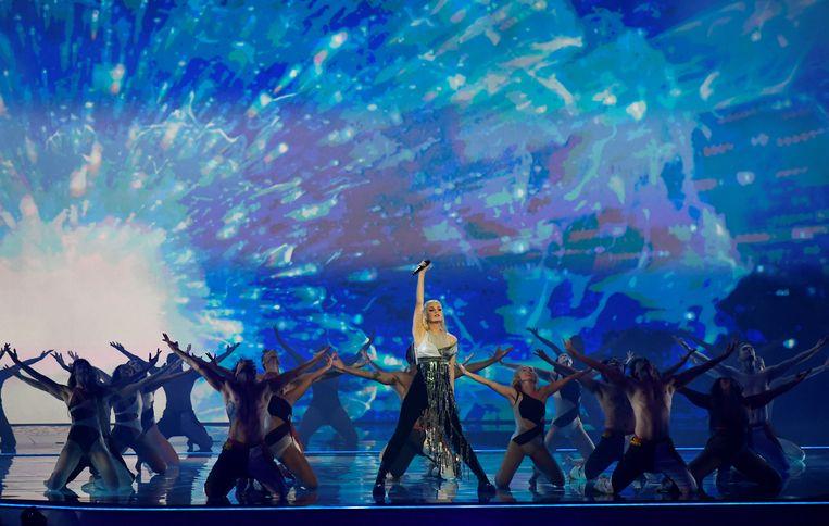 Het optreden van Davina Michelle tijdens de eerste halve finale van het Songfestival in Rotterdam.   Beeld REUTERS