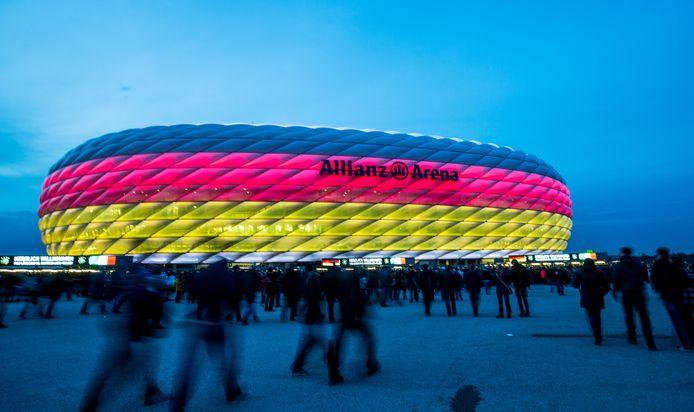 De Allianz Arena in de Duitse kleuren.