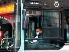 Deux suspects inculpés pour tentative de meurtre après l'agression d'un chauffeur de bus