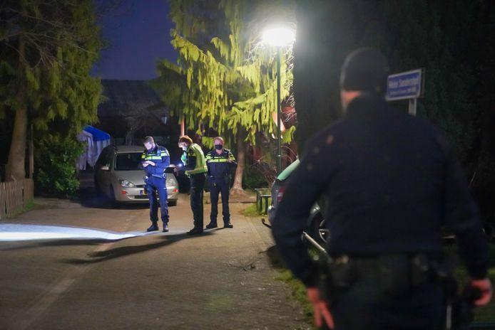 De politie heeft een hennepknipperij ontdekt in een schuur aan het Mieke Sandershof in Gerwen.