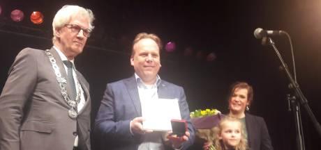 Erepenning voor ex-wethouder Thomas Zwiers: 'Van bijzondere waarde voor Moerdijk'