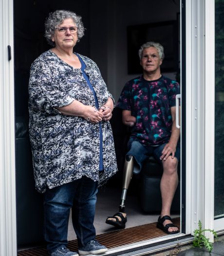Leny (62) wil eindelijk zonder hulp van haar Johan haar zaakjes kunnen regelen: 'Het is je reinste discriminatie'
