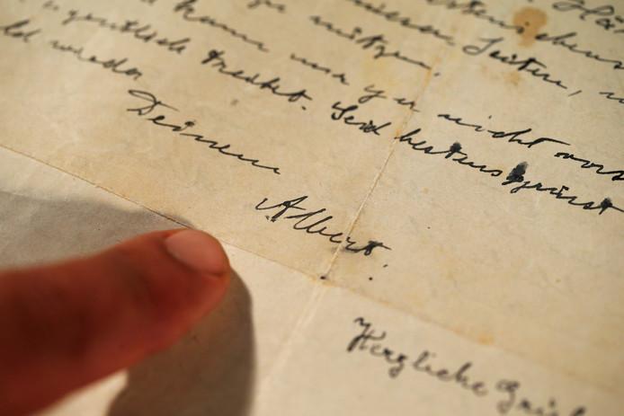 Vorig jaar gingen in Israël brieven van Einstein uit 1922 onder de hamer.