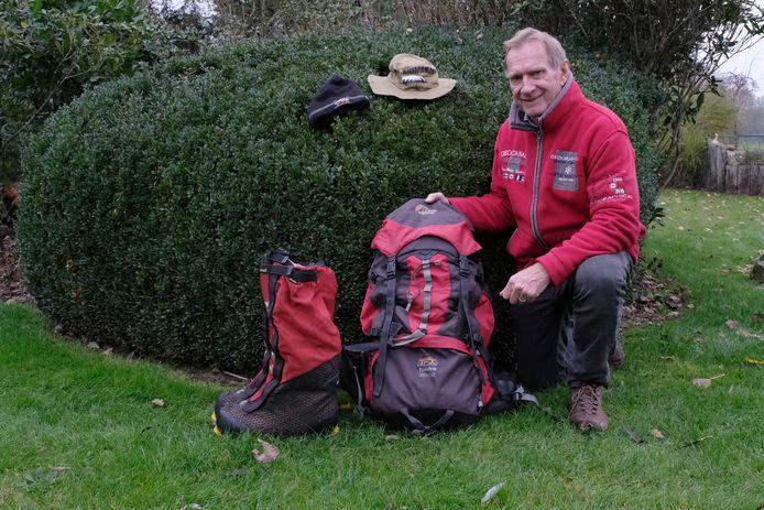 Willy Troch, gepakt en gezakt voor zijn beklimming van de Kilimanjaro.