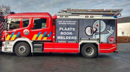Brandweer evacueert twee mensen met ladderwagen bij appartementsbrand in Antwerpen