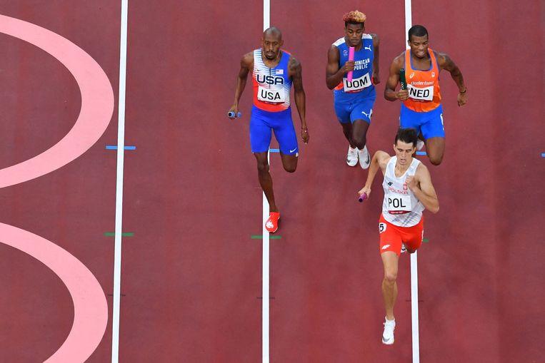 Op de laatste honderd meter wordt Nederland nog voorbijgelopen door Polen, de VS en de Dominicaanse republiek. Beeld AFP