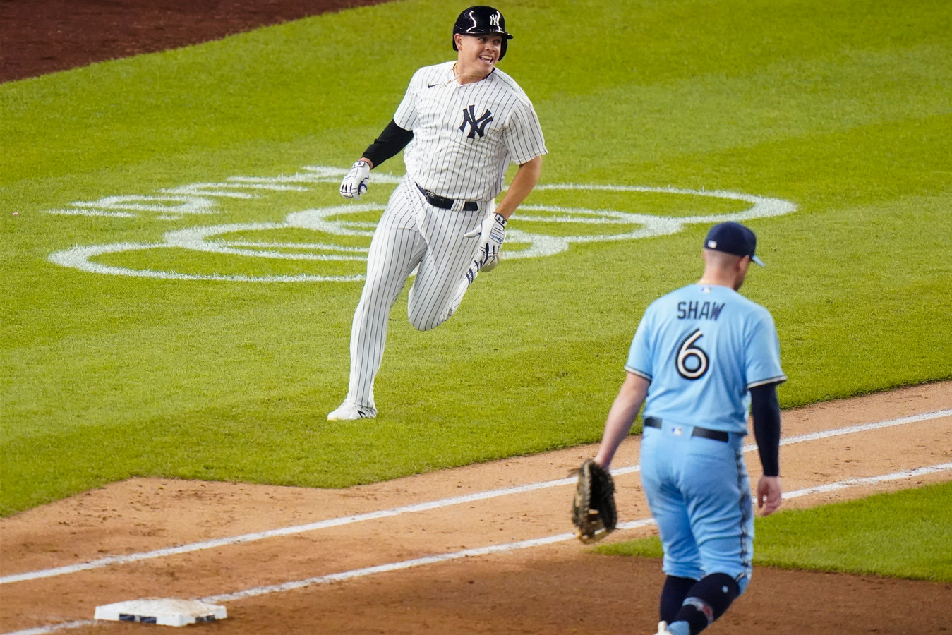 Luke Voit kan zijn lol niet op als hij weer een homerun heeft geslagen.
