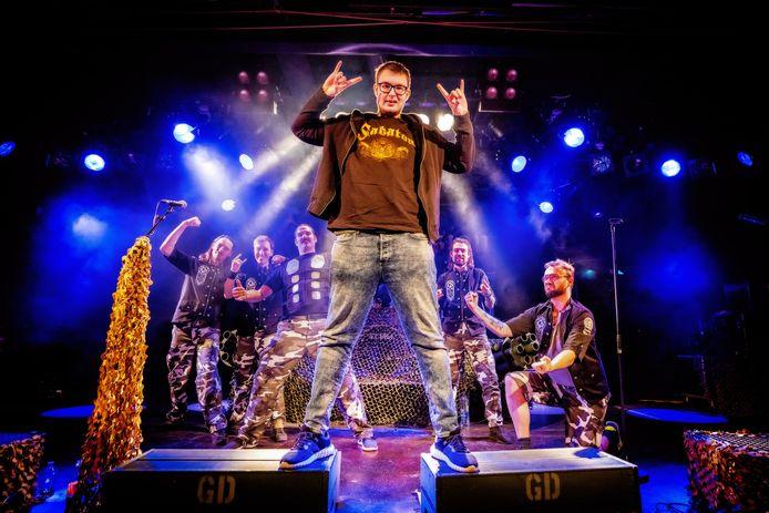 De band Ghost Division verzorgde in coronatijd een uniek optreden voor de ongeneeslijk zieke Stijn uit Den Bosch.