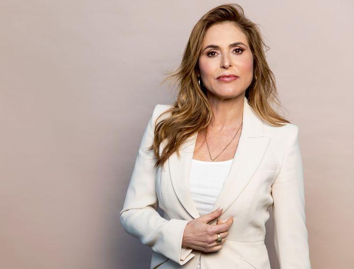 Schrijver Heleen van Royen (56) woont samen met Bart (34). Ze is moeder van Olivia (28) en Sam (24) en oma van Spencer (9 maanden) en van twee bonuskleinkinderen van 13 en 11.
