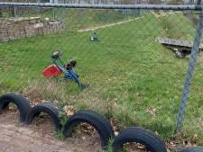 Verdriet over vernielingen bij kinderboerderij en school in Goor: 'Daders weten niet wat ze aanrichten'