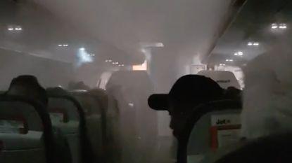 VIDEO. Airco blaast vliegtuig vol mist