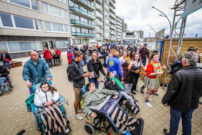 2500 mensen genoten van de festivalsfeer op het strand