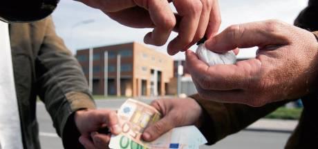 Nep-drugskoop van politie strandt op vormfout; Amersfoortse cocaïnedealers gaan vrijuit