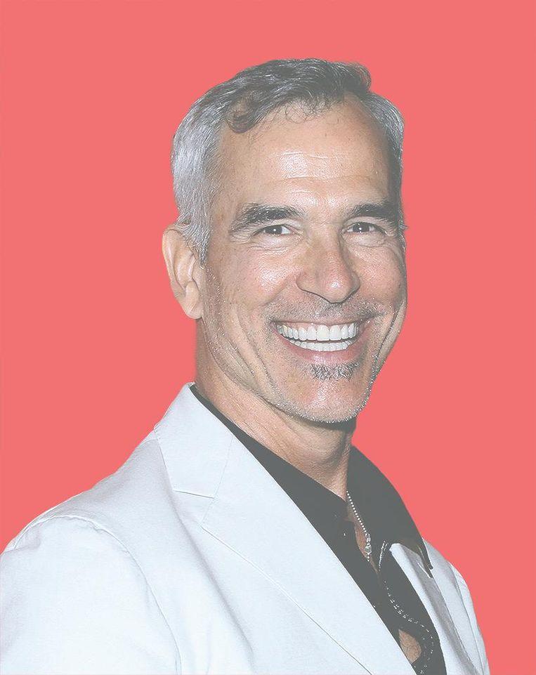 De Amerikaanse regisseur Jerry Mitchell van On Your Feet! won meerdere Tony Awards, onder andere voor de choreografie van Legally Blonde. Beeld Getty Images
