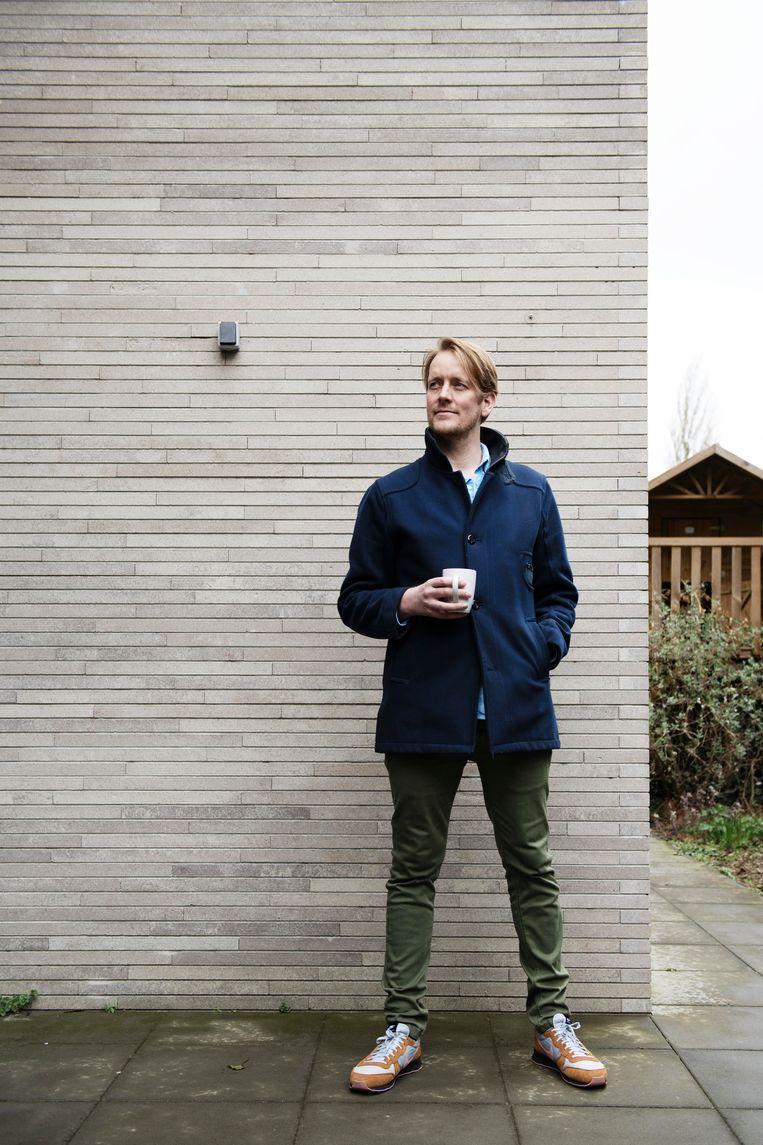 Schrijver/journalist Sander Heijne, mede-auteur van het boek Fantoomgroei. Beeld Kiki Groot