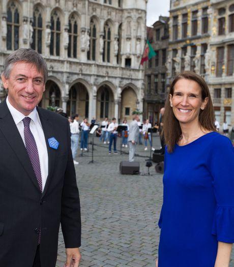 Sophie Wilmès et Jan Jambon assistent ensemble à un concert surprise
