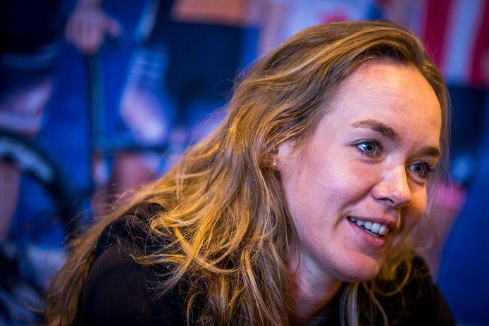 2020-09-29 14:10:04 MAASTRICHT - Anna van der Breggen tijdens een persconferentie over haar overwinningen op het WK in Imola. De wielrenster werd tweevoudig wereldkampioen tijdens de wielerwedstrijd. ANP MARCEL VAN HOORN