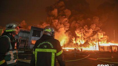 Gigantische rookwolk van brand in Franse chemische fabriek trok over ons land
